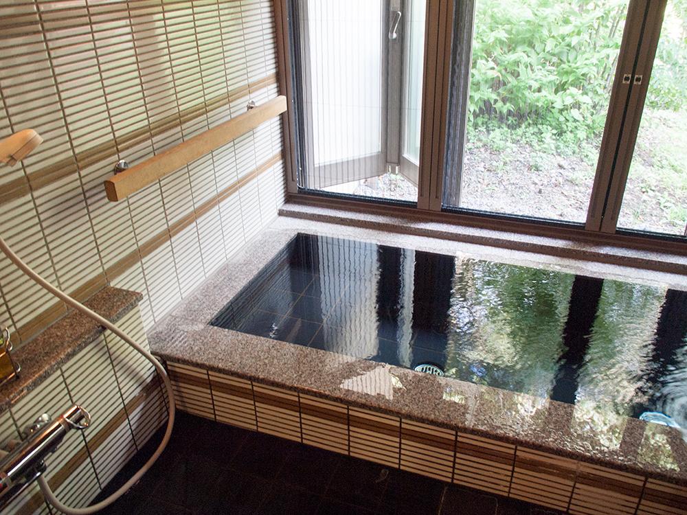 蛍雪の宿 尚文|宿泊レポ|離れ 露天風呂付き客室のお風呂は天然温泉