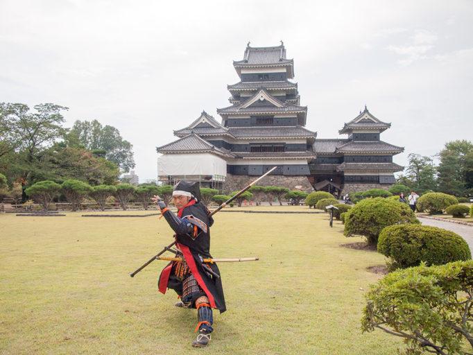 松本城 おもてなし隊